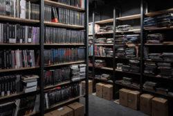 Placement des livres et bandes dessinées dans les étagères