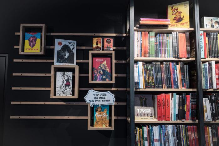 Rayonnage de rangement de la librairie octOpus à Epinal